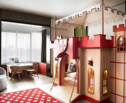 O Hotel Shangri-La Cingapura cria um verdadeiro parque de diversão indoor e outdoor para crianças e famílias