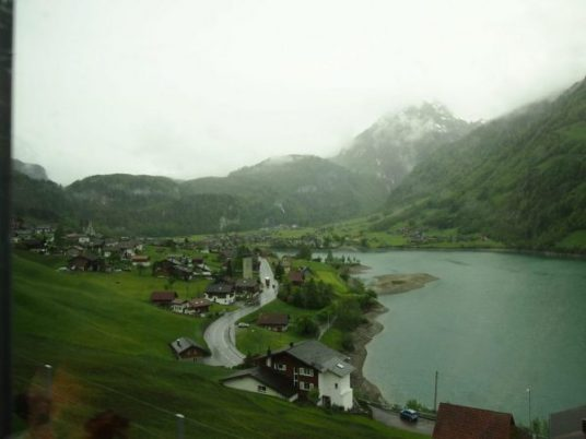 Vistas Golden Pass Suiza