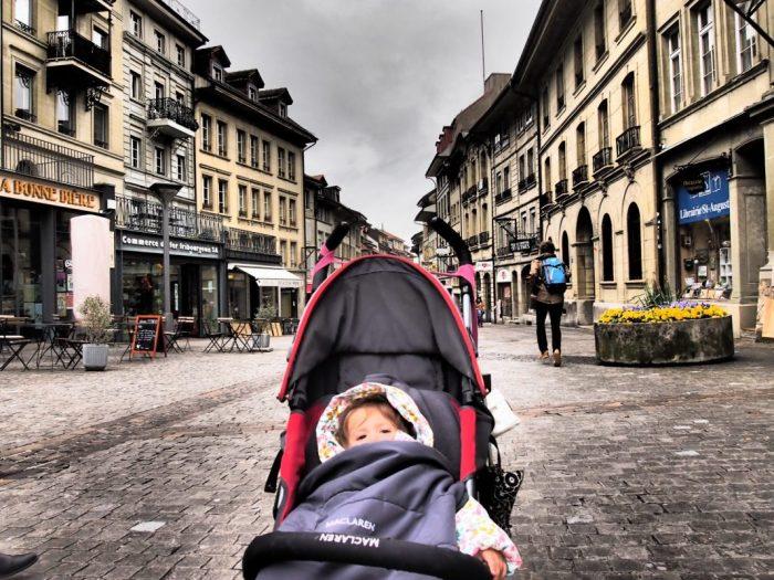 Lausanne y Friburgo, recorriendo Suiza en tren con bebé