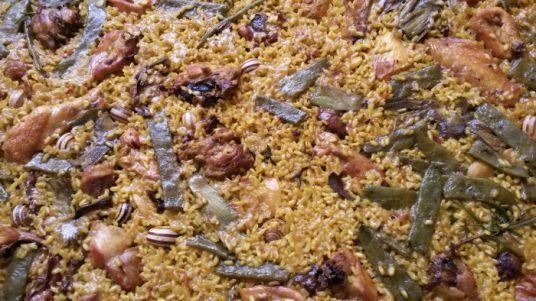 Típica paella valenciana