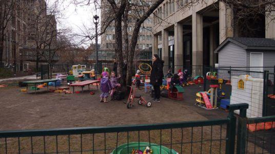 bebés jugando Toronto