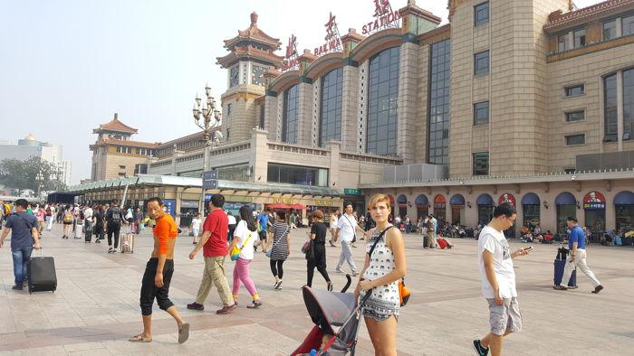 ¿Cómo llegar de España a China? Nuestra llegada a Beijing