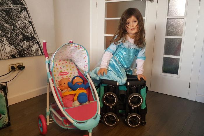 Una silla de paseo ligera y super pegable: la Pockit GB