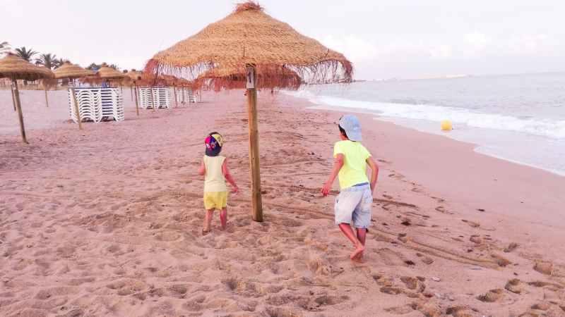 Viajando con Familia foto en la playa