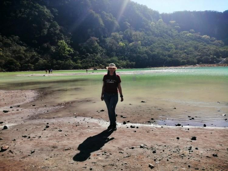 Visitando la Laguna de Alegria