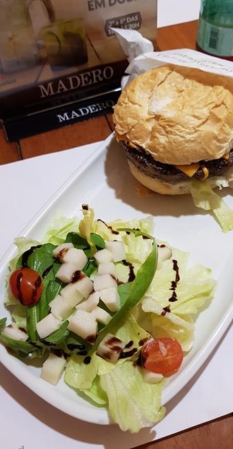 12-viajando-em-321-experiencias-gastronomicas-florianopolis-o-que-comer-madero-restaurante