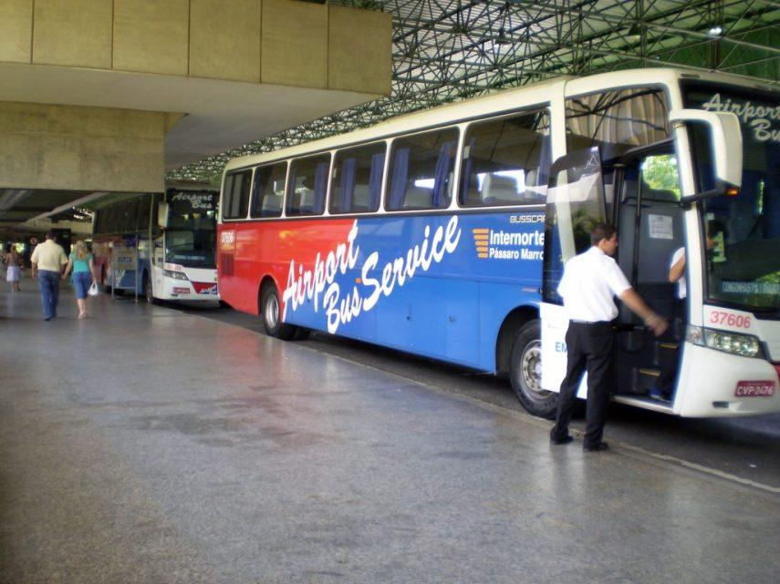 como salir del aeropuerto internacional de sao paulo en transporte público