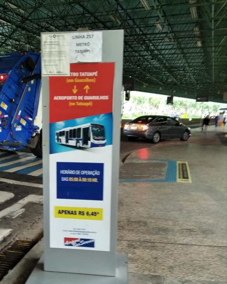 Del aeropuerto de Guarulhos hasta el terminal Tiete, paradero del bus.