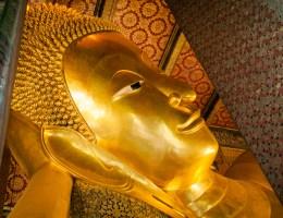 Templos em Bangkok - Viajando na Janela