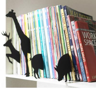 animais saindo dos livros