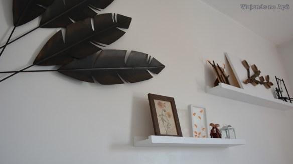 prateleiras decoraçao cabeceira quarto de casal