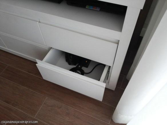 esconder fios cabos rack