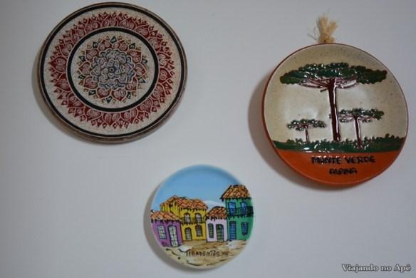 pratos na parede decoraçao