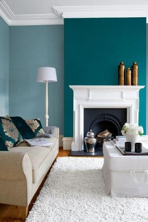 parede azul escura e clara sala