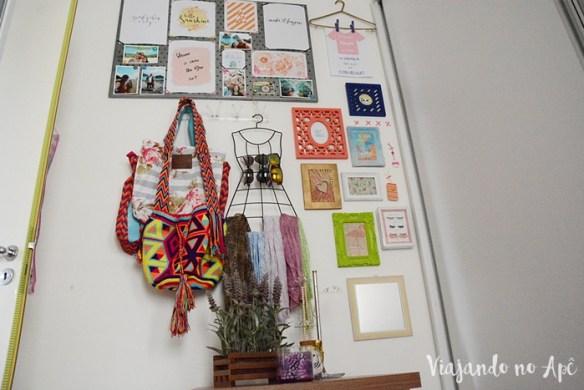 parede-closet-decoracao-parede-colorida-quadrinhos-na-parede-decoracao-feminina-parede-feliz-2