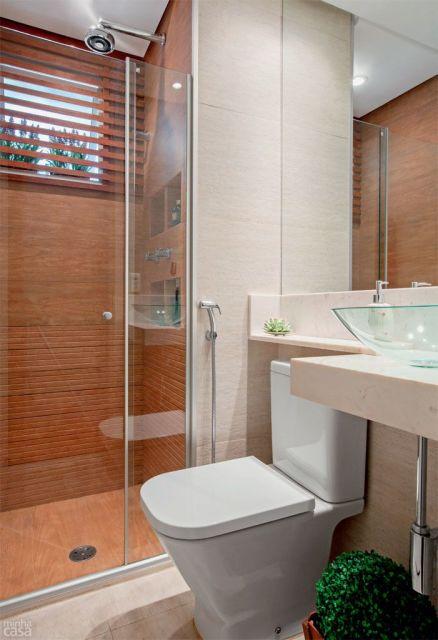 banheiros decorados porcelanato madeira