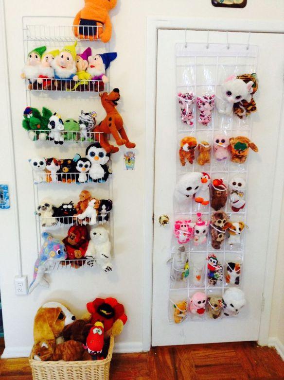como organizar bichinhos pelucia espacos pequenos quarto pequeno criancas organizacao brinquedos