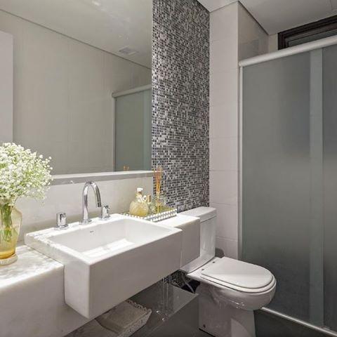pastilhas mescladas tons escuros decoracao banheiros cuba semi encaixe bancada estreita