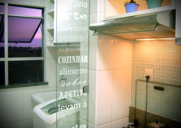 divisoria vidro cozinha lavanderia area de servico adesivo decorado separacao parcial (2)
