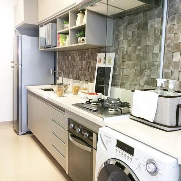 vidro incolor divisoria cozinha lavanderia area de servico bancada
