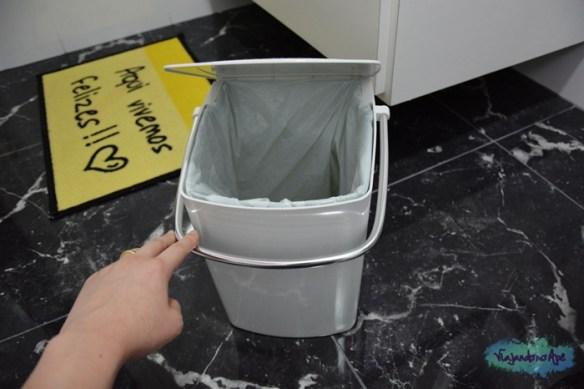 lixeira_banheiro_esconde_saco_de_lixo2