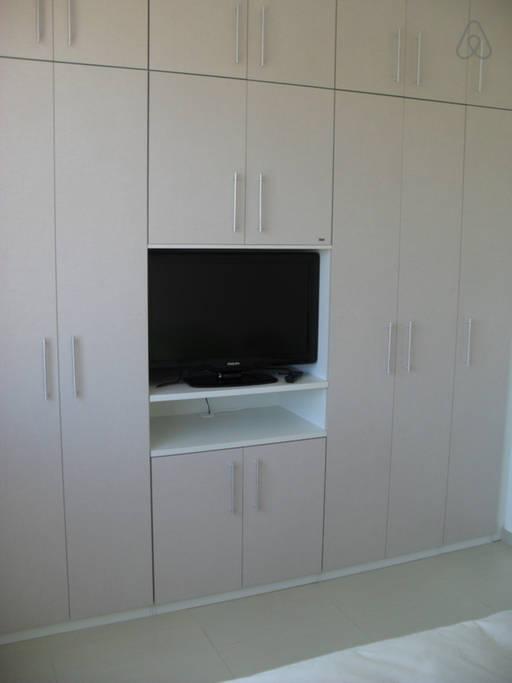 nicho tv armario guarda roupa