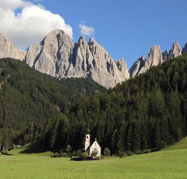Dolomitas iglesia st Giovanni