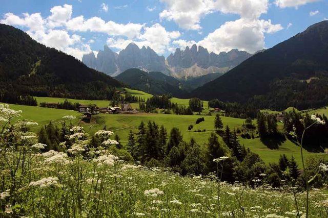 val di Funes. Iglesias más bonitas de Dolomitas