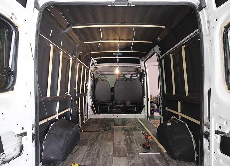 rastrelado furgoneta camper