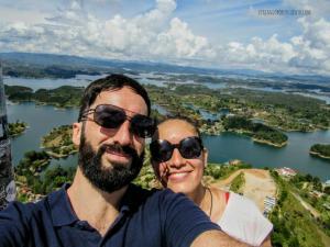 Carol y Juan de Vx1S en Guatapé