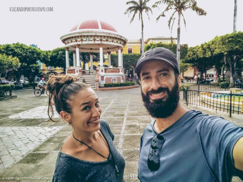Juan y Carol de viajando por un sueño en Granada