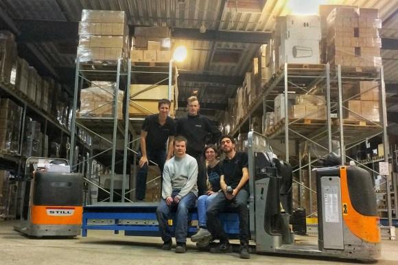 Con compañeros en el deposito donde opte por trabajar en Dinamarca