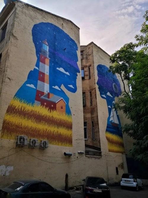 Mural de siluetas en Odesa