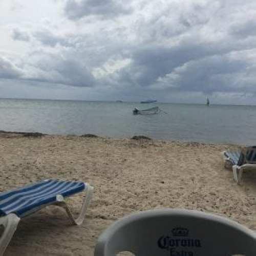 Almozando en las playas de Cozumel