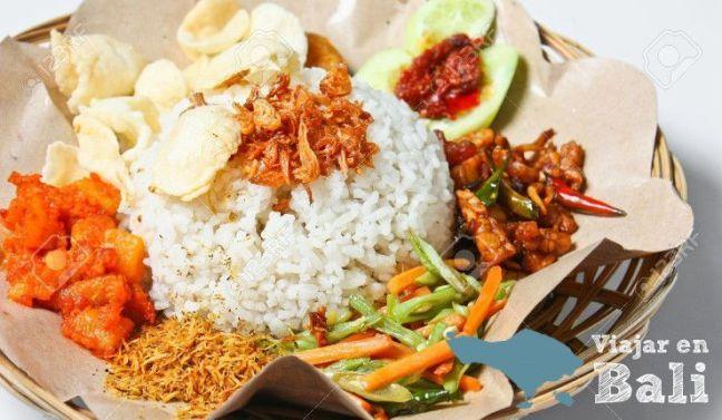 Comer en Bali Nasi Campur