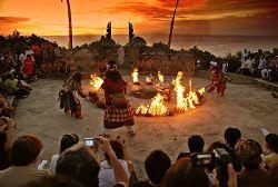 danzas balinesas kecak Uluwatu Bali