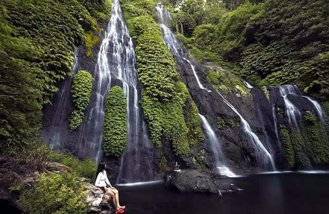 cascada norte de Bali Banyumala