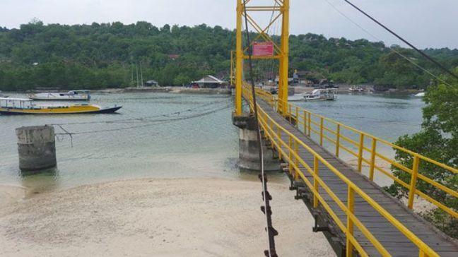 puente-amarillo-nusa-lembongan-bali