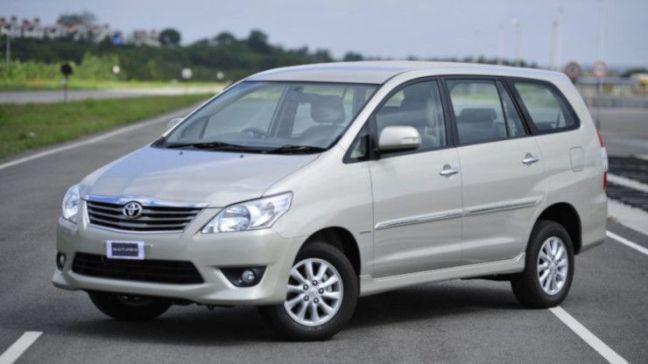 alquiler coche grande Bali Innova