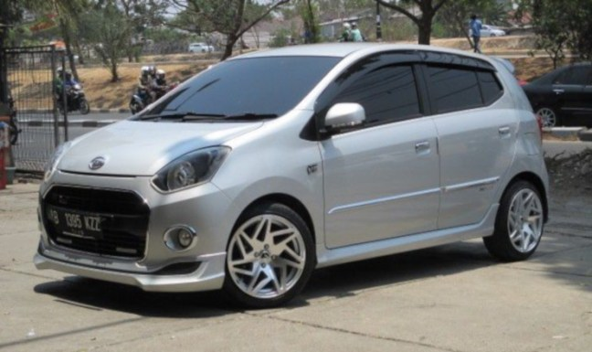 alquiler coche pequeño Bali Ayla