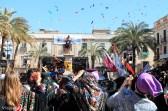 Guerra de caramelos el domingo de Carnaval en Vilanova i la Geltrú