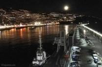 Funchal iluminada desde el puerto