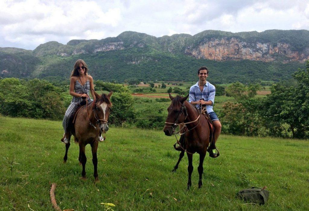 Trotando por el Valle de Viñales, Cuba