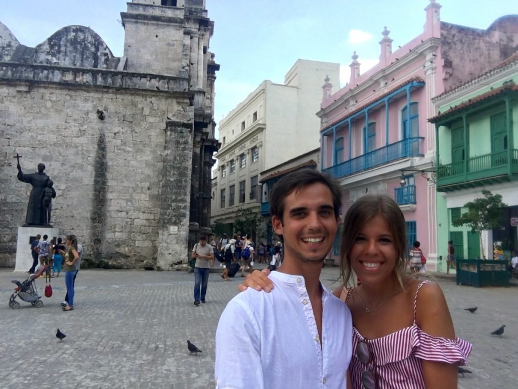 Visitando Plaza de San Francisco de Asís, La Habana