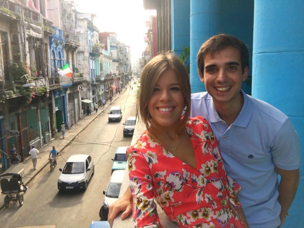 Vistas a la calle Neptuno desde la terraza de nuestra casa en La Habana
