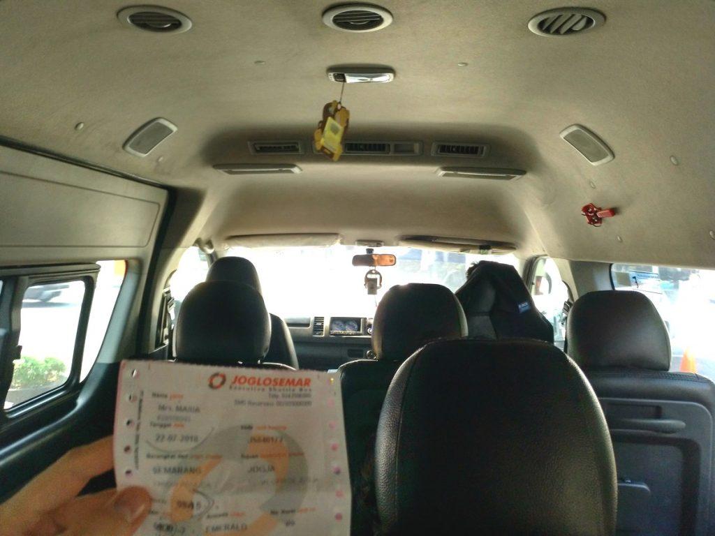 La van de Joglosemarque nos llevó a Yogyakarta