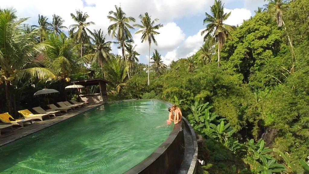 La increíble piscina de Petiwi Bisma 1, nuestro lujete del viaje en Ubud
