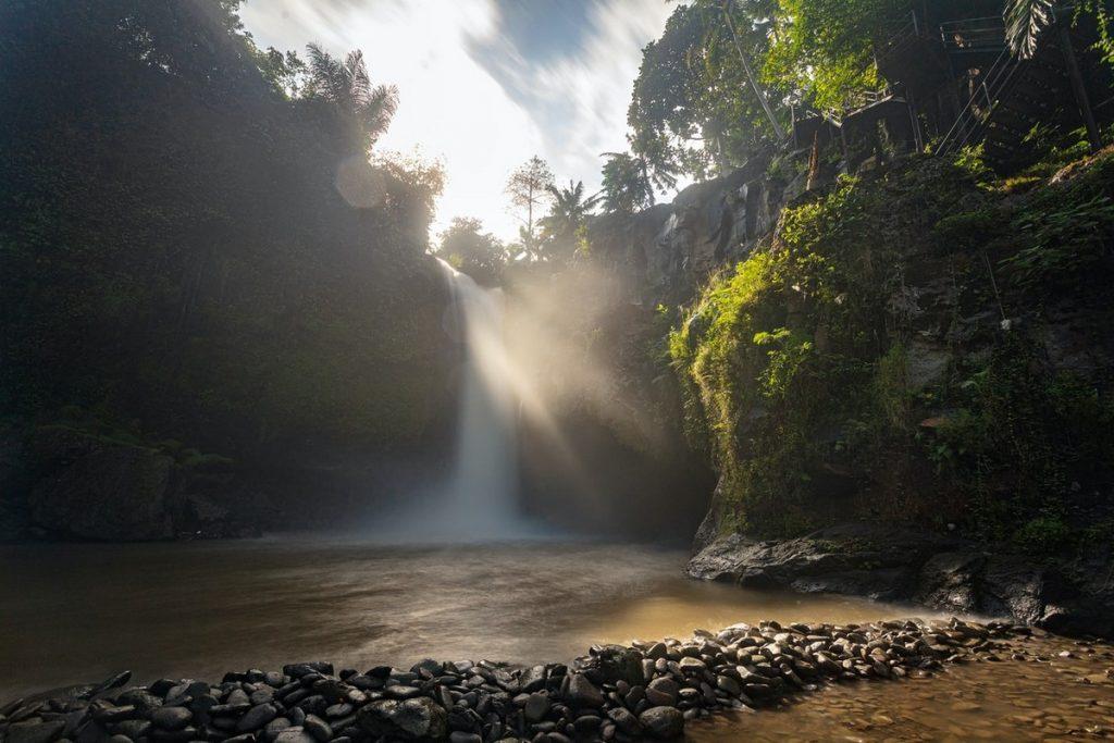 LaLa famosa cascada de Tegenungan, Ubud