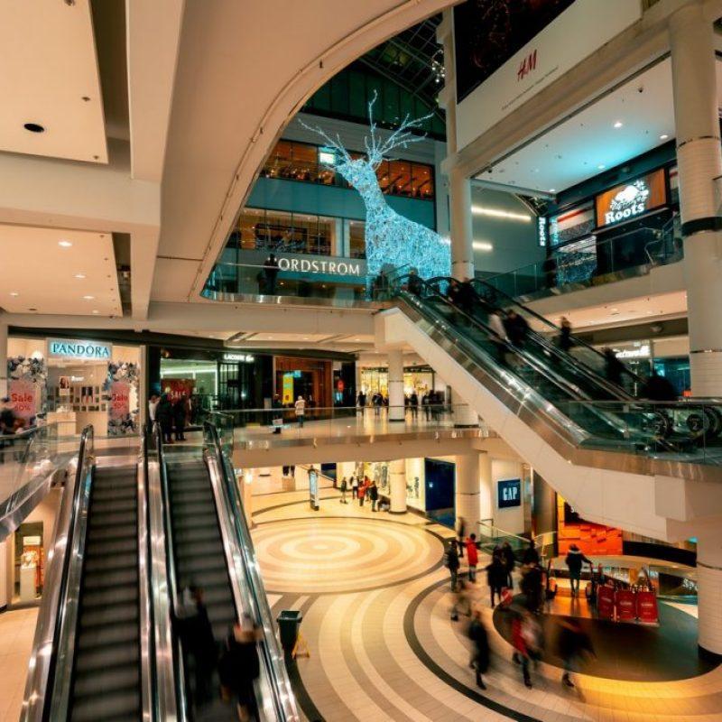 El interior de un centro comercial en Yakarta