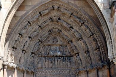 Timpano Catedral de Leon 06